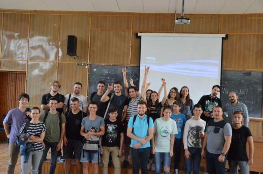 Clubul Ingineresc MicroLab te invită la sesiunea de închidere a evenimentului Autumn Bootcamp Robot Factory