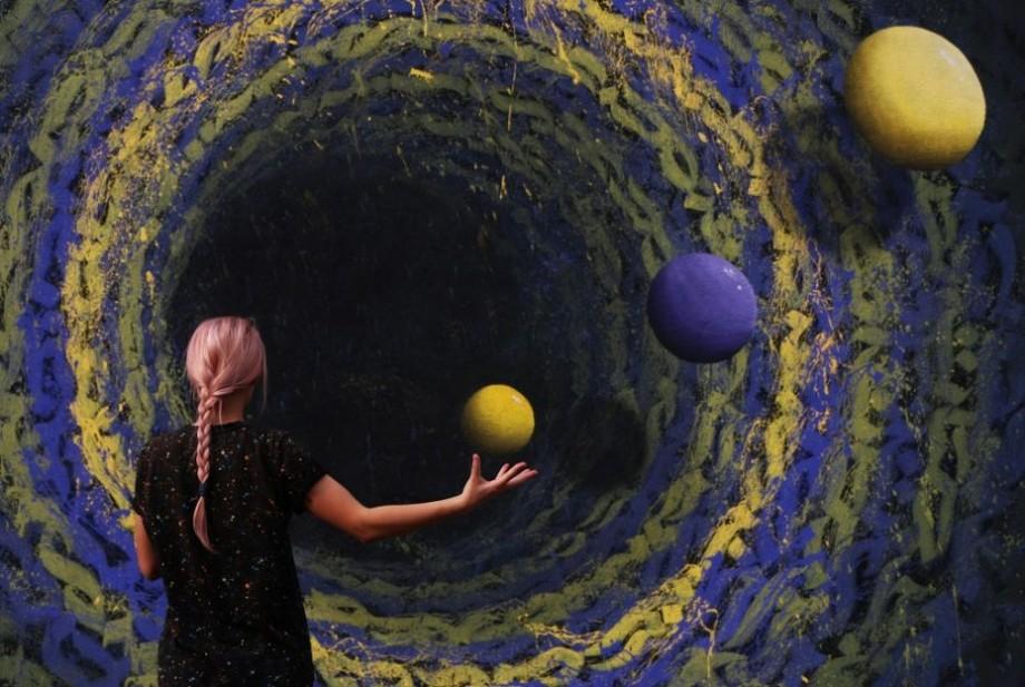 (foto, video) O gaură neagră a apărut la Telecentru. Cum arată o nouă pictură murală marca iZZY iZVNE