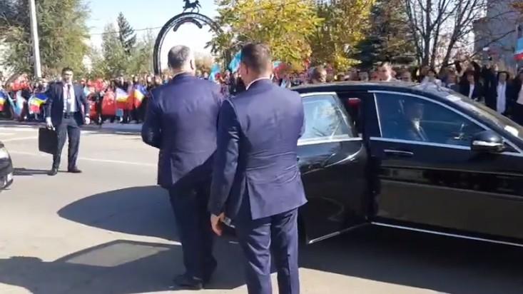 (video) Igor Dodon are o nouă maşină de serviciu. Preţul de start al automobilului în Moldova este de peste 119 mii de euro