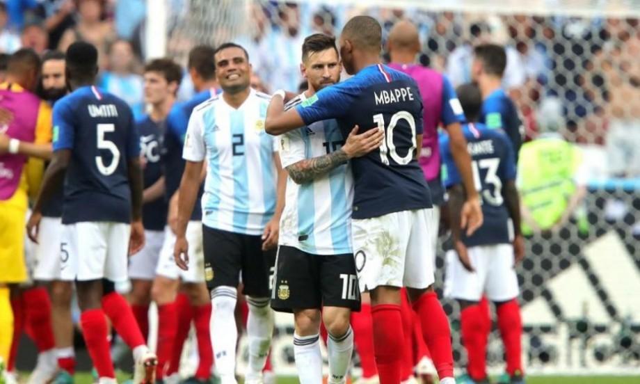 (foto) Kylian Mbappe mai bun ca Messi la vârsta de 19 ani. Ziarul Marca a făcut o comparație între cei doi atacanți