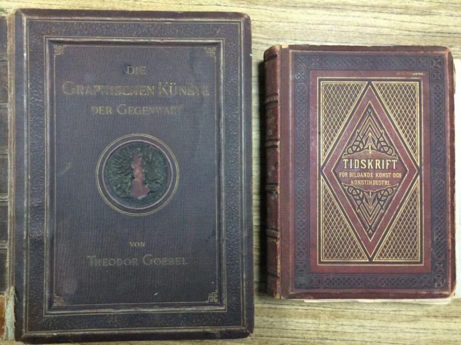 Vameșii de la Leușeni au depistat două cărți din secolul al XIX-lea. Acestea erau ascunse sub scaunul unui pasager