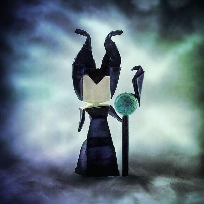 Spook-tacular-Halloween-Origami-5bd6c1b926031__700
