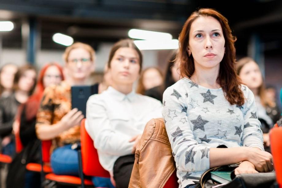 (video) 500 de fete și femei din Moldova își pot realiza visul unei cariere în domeniul IT. A fost lansat un program inedit de instruire
