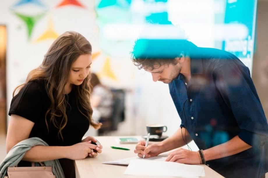Startup Academy te echipează cu toate cunoștințele necesare pentru ca să devii antreprenoare. Cum poți participa la cursuri