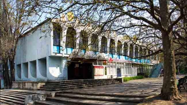 (foto) Compania care deține clădirea cafenelei Guguță a obținut autorizație de demolare