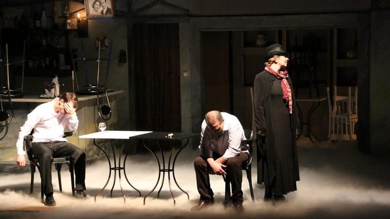 """(foto) Căldură în noiembrie și povești puternice de viață. Ce spectacole vă așteaptă în acest weekend la Teatrul Național """"Eugene Ionesco"""""""
