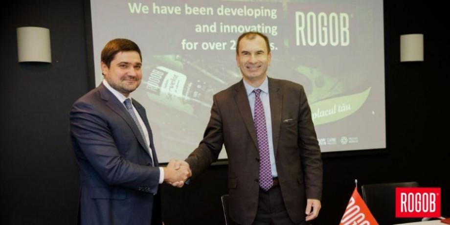 """(foto) Fabrica """"Rogob"""", gazda unei delegații BERD. Compania de mezeluri a semnat un angajament în cadrul programului Blue Ribbon"""