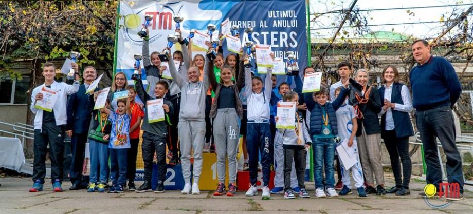 (foto) Ultimul turneu de tenis al anului și-a aflat campionii. Cine sunt sportivii învingători