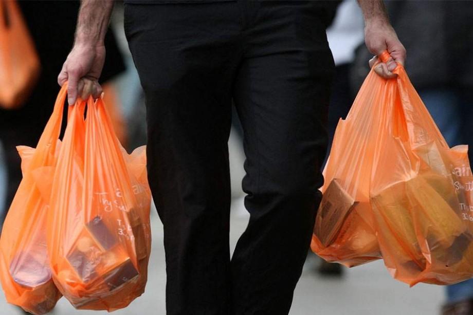 Parlamentul European a votat pentru interzicerea mai multor articole de plastic de unică folosință