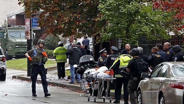 Atac armat la o sinagogă din Pittsburgh soldat cu cel puţin 8 morţi și 12 răniţi