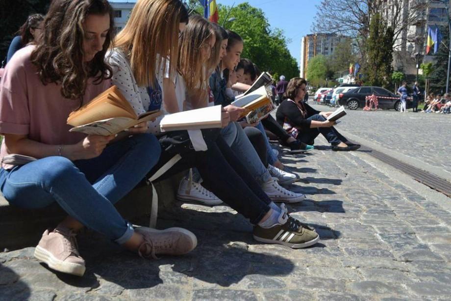 Cum să susții mai ușor examenul de bacalaureat la limba și literatura română. Lista lecturilor obligatorii și alternative pentru elevii clasei a XII-a