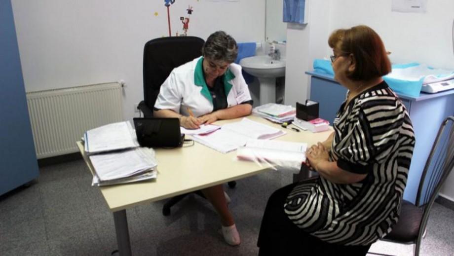 Reforma în sectorul sănătății: Medicii de familie care vor activa în sate vor beneficia de 50% adaos la salariu