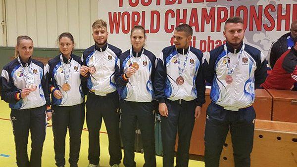Sportivii din Moldova au câștigat trei medalii la Campionatul Mondial de fotbal-tenis printre seniori