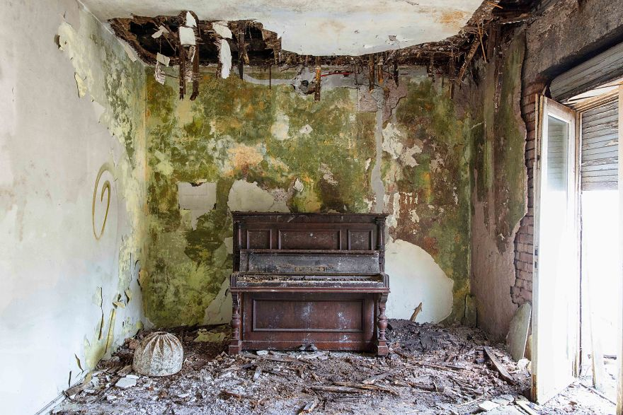 requiem-pour-pianos-21-5bbeff98b5906__880