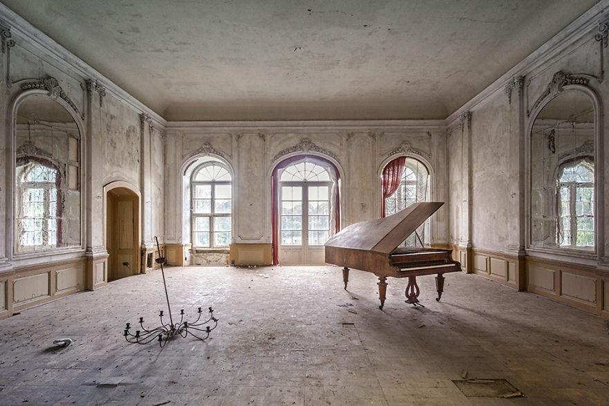 requiem-pour-pianos-32-5bbeffaf6fbf4__880