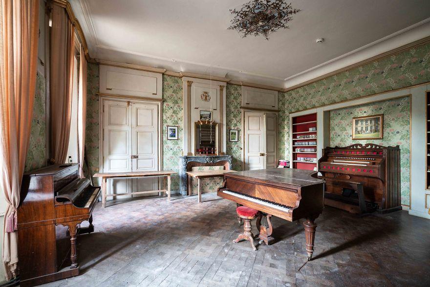 requiem-pour-pianos-58-5bbf00091c36b__880