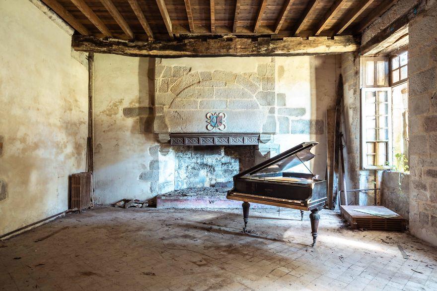 requiem-pour-pianos-66-5bbf0081c43ad__880