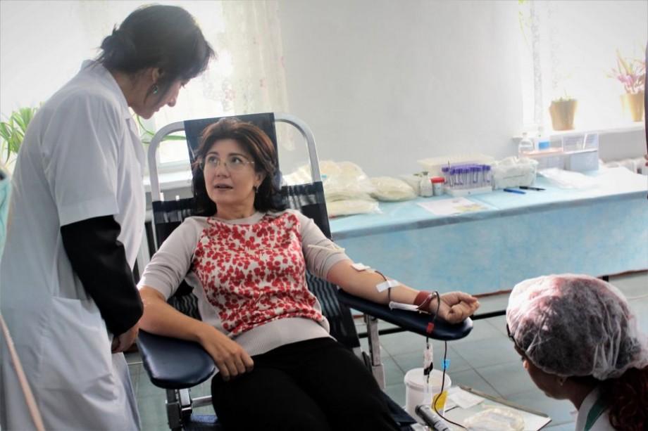 (foto) Silvia Radu a donat sânge în cadrul unei noi campanii. În ce localități poți dona și tu