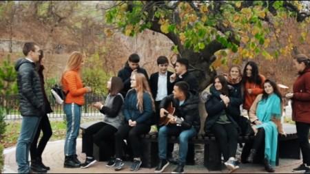 Creativitatea în orașele slovene (III). Educația culturală: de la festivaluri pentru copii până la prima academie de artă într-o zonă rurală