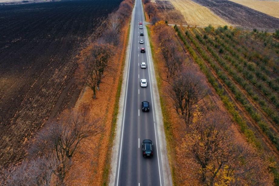 (foto) Nouă mașini prietenoase mediului au colindat timp de cinci zile orașele Moldovei. Care a fost scopul