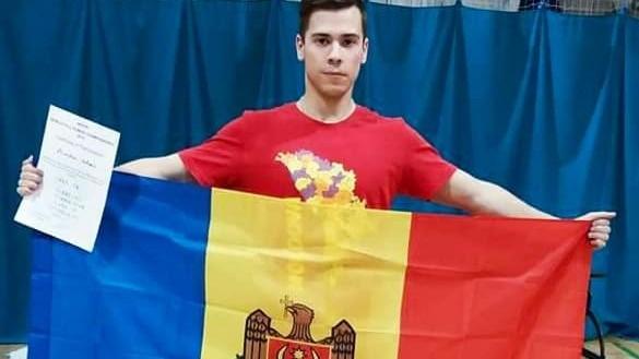 Un student din Moldova a stabilit un nou record mondial în cadrul unei competiții de powerlifting din Glasgow