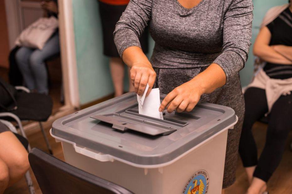 5-Exercițiul de simulare a votului a reprezentat o lecție de responsabilitate civică pentru femeile de la centrul maternal din Căușeni