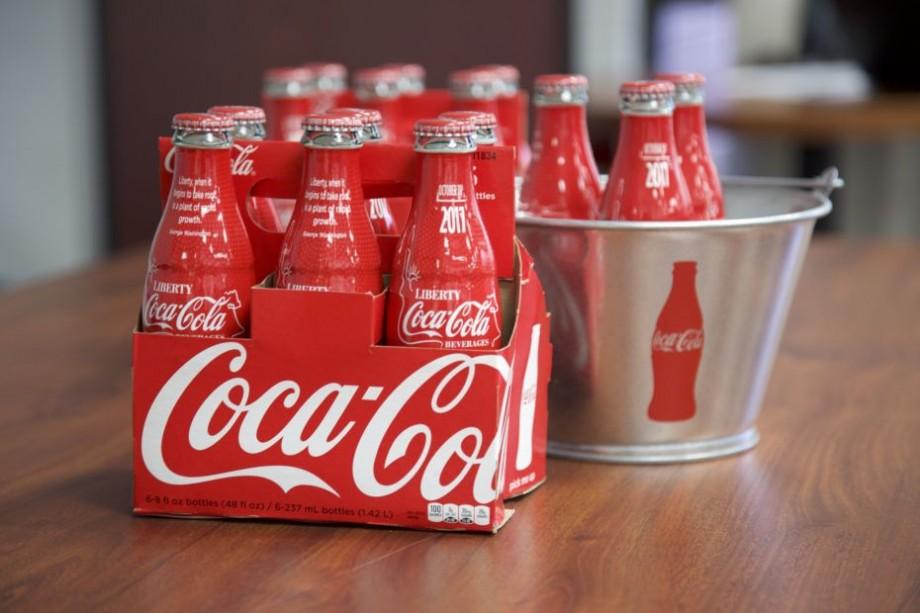 Coca-Cola acuzată de furtul denumirii unei băuturi. Un antreprenor cere despăgubiri de 345 milioane de dolari
