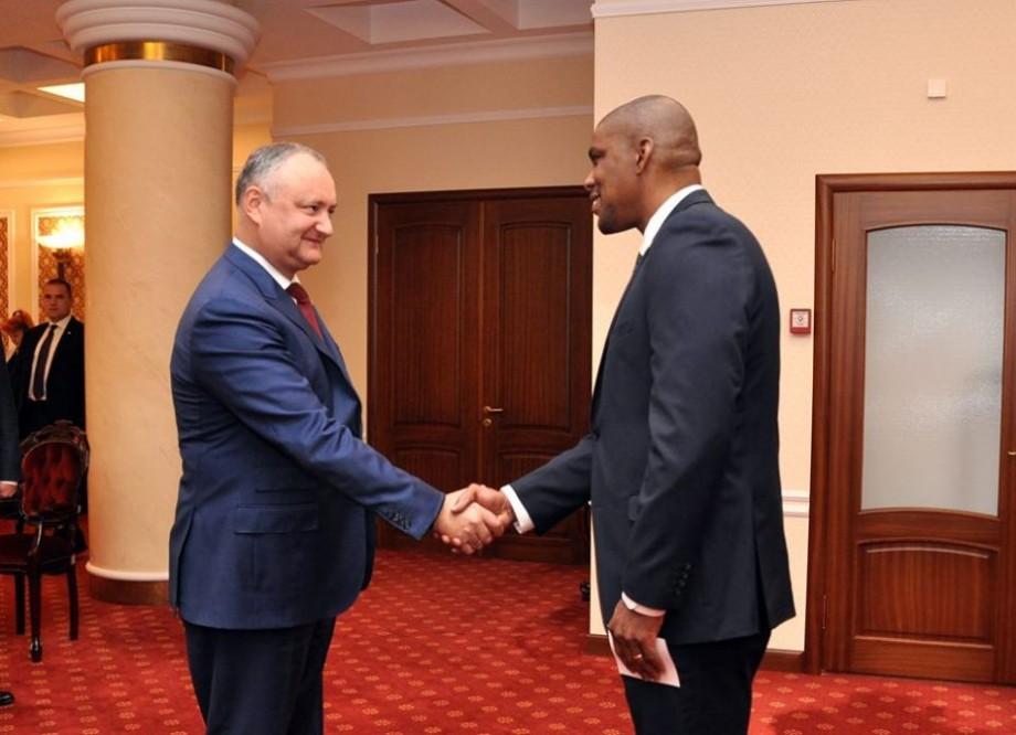(foto) Noul ambasador al SUA în Moldova a prezentat scrisorile de acreditare președintelui Igor Dodon