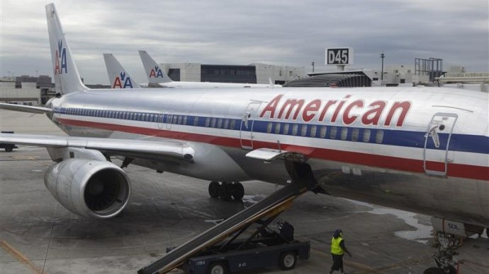 Aventura unui tânăr care a adormit în cala unui avion și s-a trezit la 800 de kilometri de casă