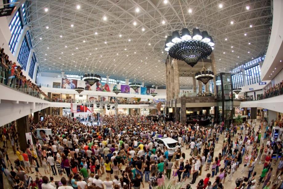 Vrei să-ți înnoiești garderoba? Ce reduceri oferă de Black Friday magazinele de la Palas Mall