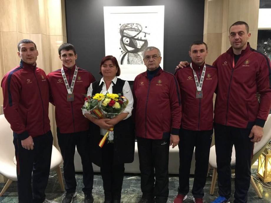 Boxerii moldoveni, Dmitri Galagoț și Victor Carapcevschii, au cucerit medalia de bronz în Spania