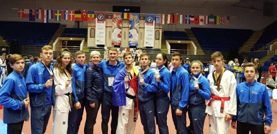 Șapte sportivi moldoveni au fost medaliați în cadrul turneului internațional la taekwondo Dracula Open G-1