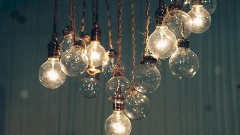 Fără lumină. Adresele care vor fi deconectate astăzi de la energia electrică
