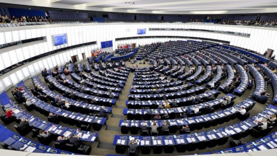 Din nou cu vize în UE? Parlamentul European pregătește o reacție dură la situația democrației din Republica Moldova