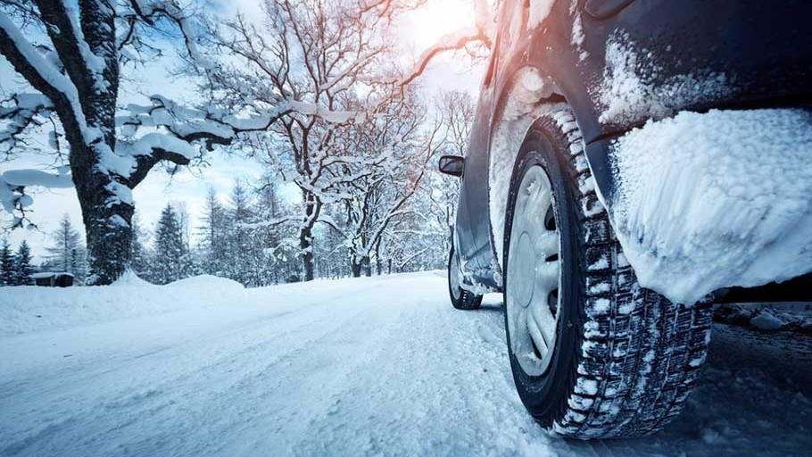Dar mașina ta este pregătită pentru iarnă? Ia un credit rapid și condu în siguranță