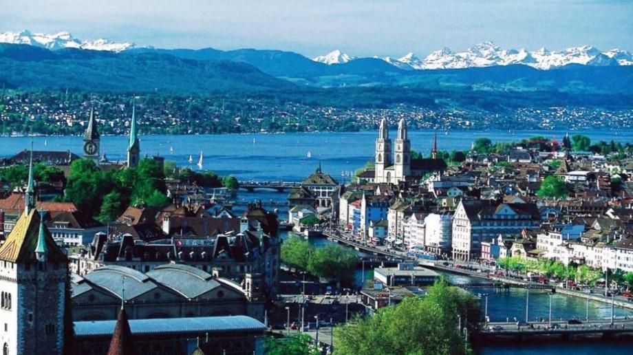 Confederația elvețiană oferă burse de licență, master și doctorat studenților din Moldova