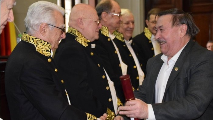 Un scriitor și trei cercetători din Moldova au devenit laureați ai premiilor Academiei Române. Cine sunt aceștia