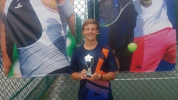 Jucătorul de tenis din Moldova, Maxim Cazac, a devenit câștigătorul unui turneu din America