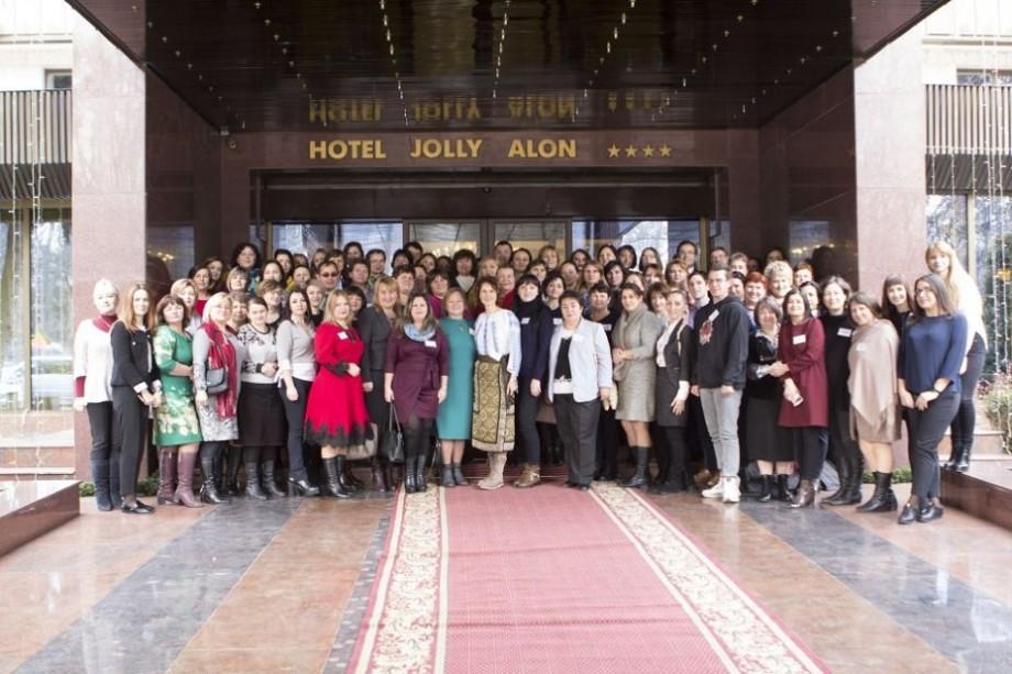 (foto) În premieră pentru Moldova, 60 cei mai activi profesori etwinneri au fost premiați cu Certificatul European de Calitate