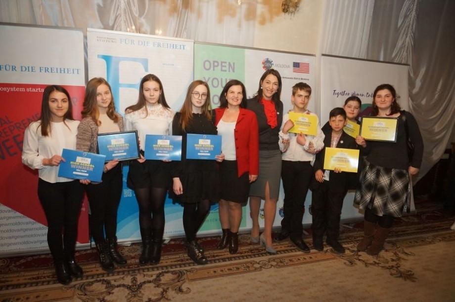 (foto, video) DECA Idea Challenge și-a desemnat câștigătorii ediției din acest an. Care au fost cele mai creative echipe