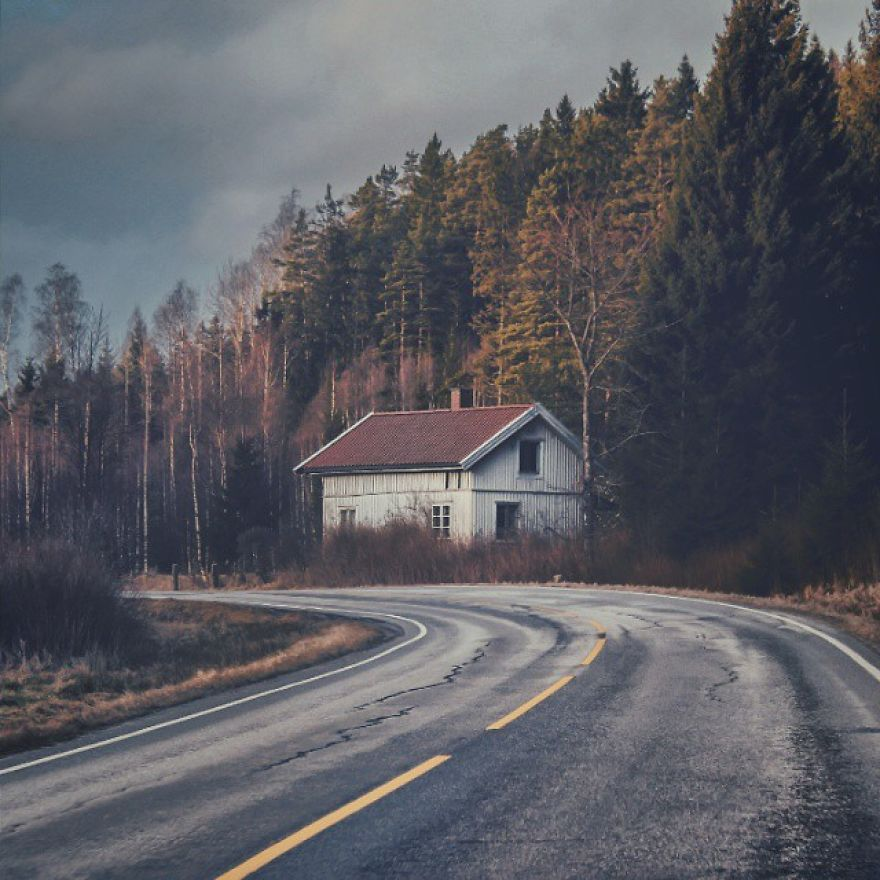 I-moved-to-the-Arctic-to-pursue-my-passion-for-abandoned-houses-5bfe6378023cc__880