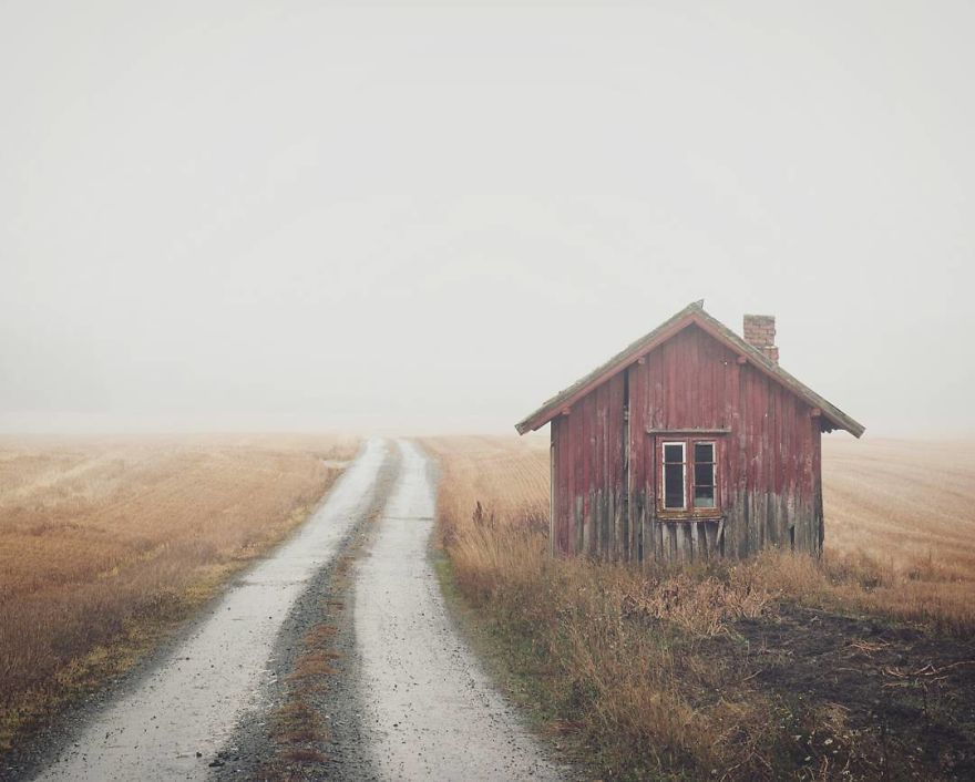 I-moved-to-the-Arctic-to-pursue-my-passion-for-abandoned-houses-5bfe637b24819__880