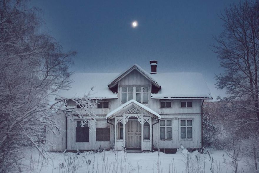 I-moved-to-the-Arctic-to-pursue-my-passion-for-abandoned-houses-5bfe638768370__880