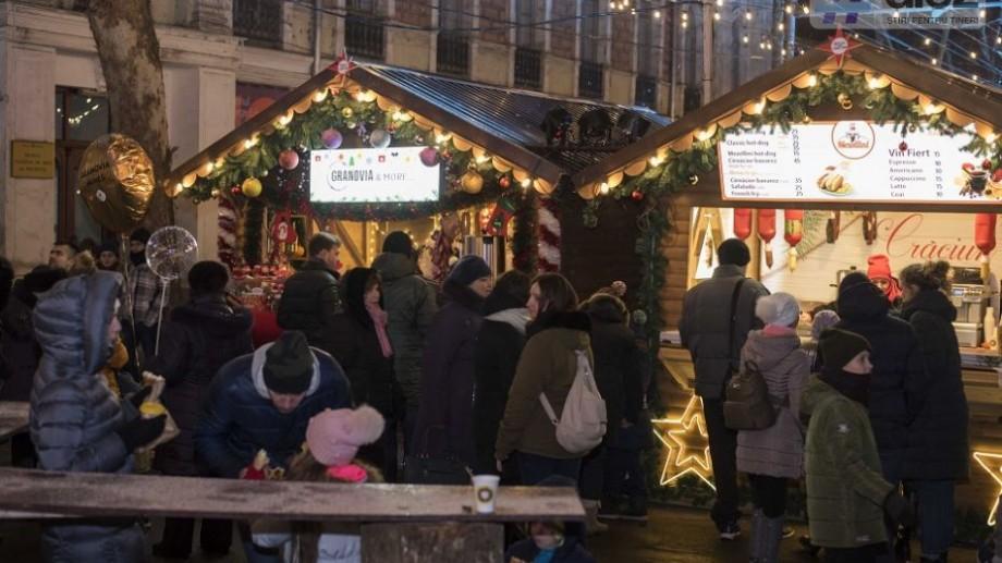 (foto) Îți este sete sau ești înfometat? Iată cât costă băuturile și mâncarea la Târgul de Crăciun din Chișinău