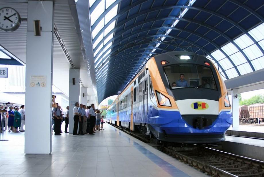 Trenul de pe cursa Chișinău – Socola (Iași) va avea stație la Călărași. Care este graficul de circulație