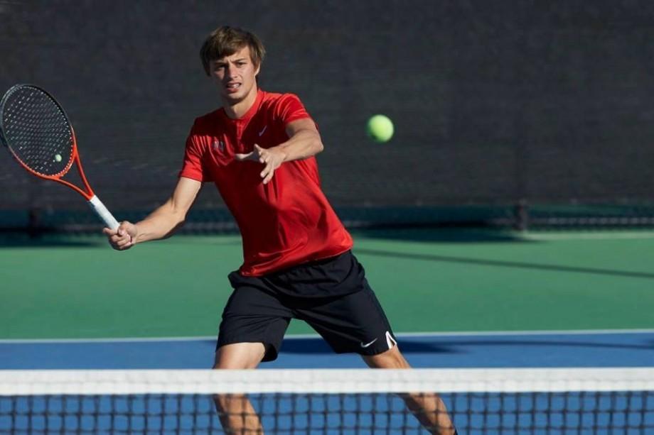 """Prima victorie din acest an. Tenismenul moldovean, Alexandru Cozbinov, a câștigat turneul """"M25 Los Angeles"""""""