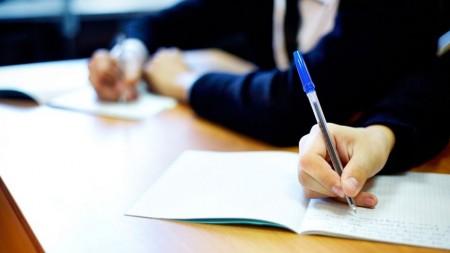 Absolvenții de liceu care nu au luat Bacalaureatul pot depune cerere pentru susţinerea examenului