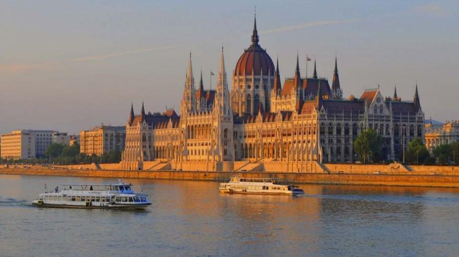 Guvernul Ungariei oferă burse de studii pentru studenții din Moldova, pentru anul academic 2019-2020. Cum te poți înscrie