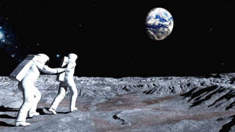 Rusia vrea să trimită primele sale misiuni cu echipaj pe Lună și să testeze acolo mijloace de transport