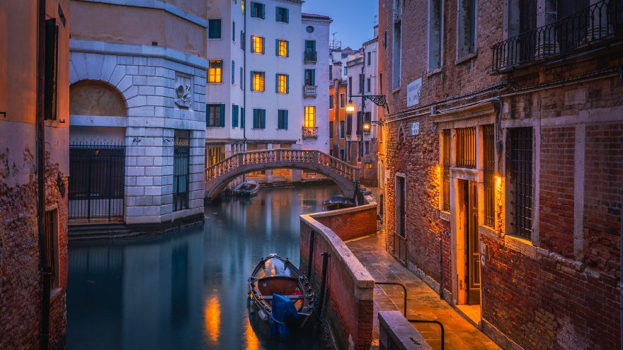(foto) Culorile Veneției pe timp de iarnă. Cum arată străzile goale ale orașului turistic din Italia